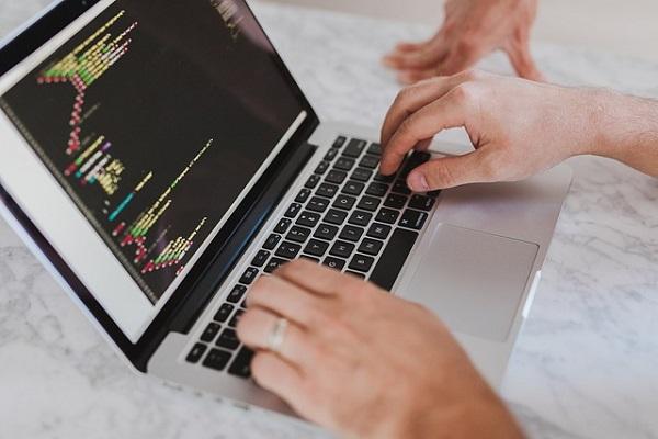 定制网站VS模板网站,浅析定制网站的五大优势